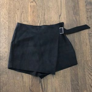 Zara suede shorts/skort in size medium